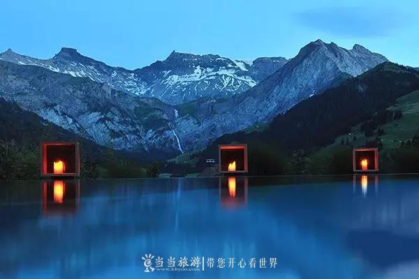 可以一边欣赏世界上最壮观的景色一边游泳,让人顿时感觉可以从泳池图片