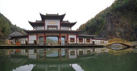 郧西龙潭河风景区