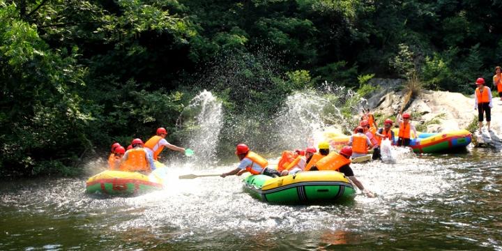武当峡谷漂流旅游区