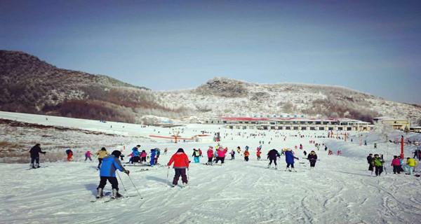 神农架天燕滑雪场+天悦温泉二日游