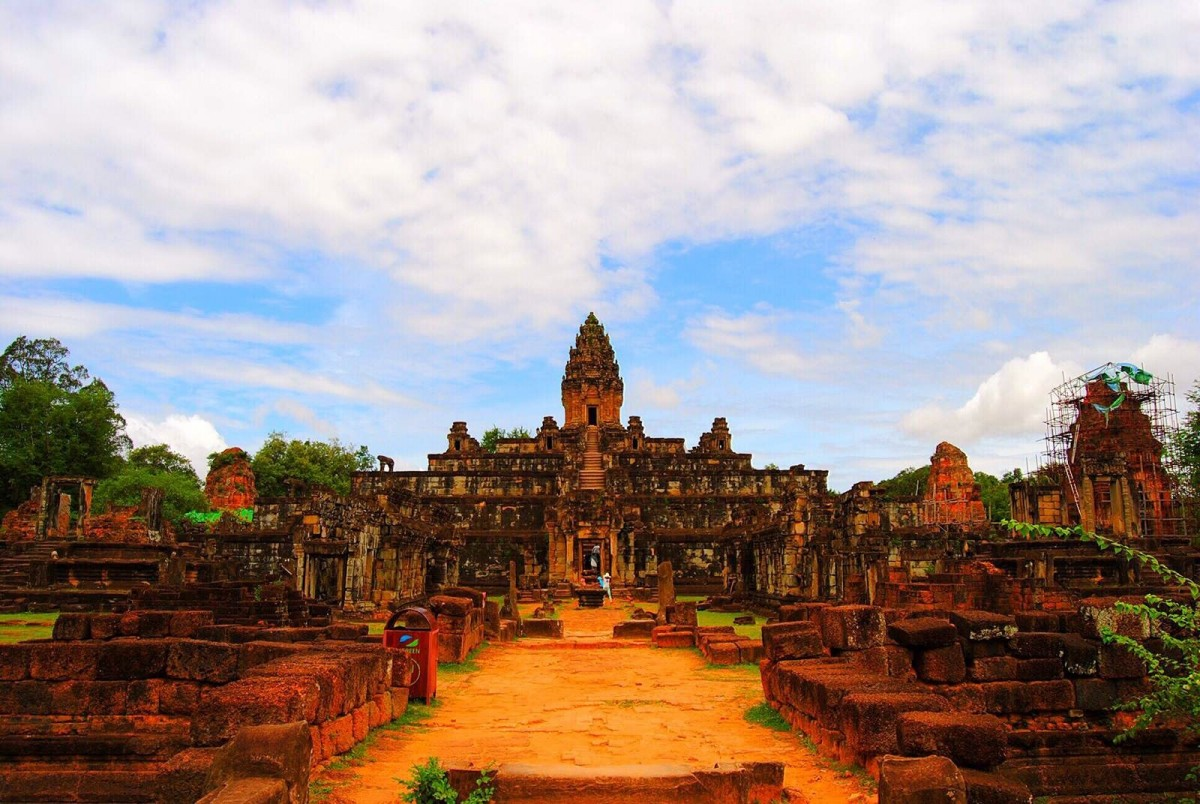柬埔寨:漫步金边五哥尊8日游