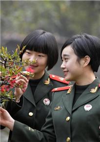 湖北武警女通信兵 青春靓丽笑靥如花
