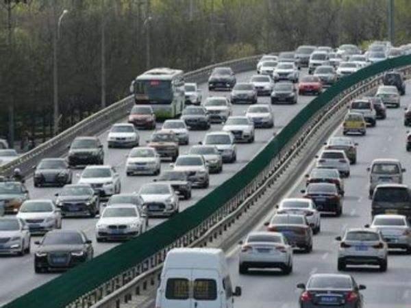 【资讯】清明假期高速免费通行 拥堵预计4月1日出现