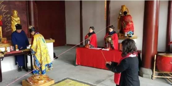 【资讯】奇!竹山上庸黄州庙神像开光仪式现场火爆