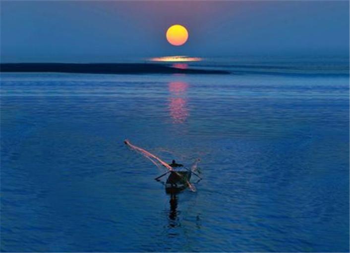 此湖是中国百慕大,30年间200多艘船沉没1600人离奇失踪