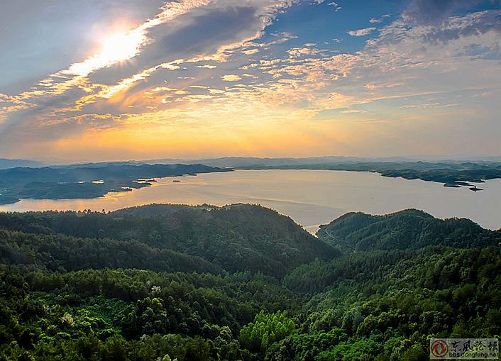 承载帝王之气的水脉——武当太极湖