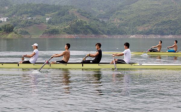 """【资讯】""""战""""意浓!湖北省赛艇皮划艇队集训圣水湖"""