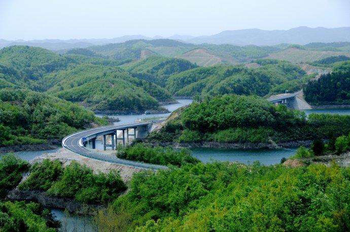 【资讯】丹江口这么美!难怪顶级摩托艇赛在这里开