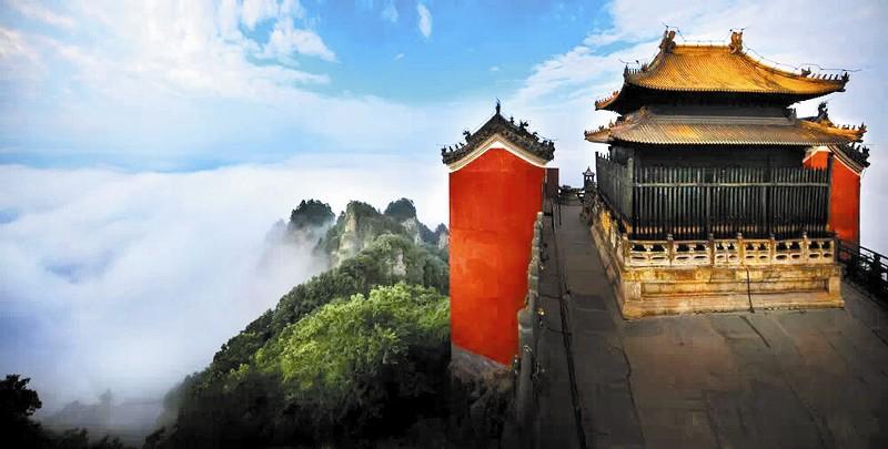 武当山天柱峰凤凰池的传说