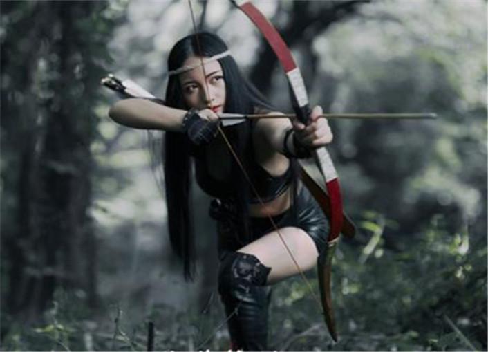 丛林狩猎,野兽猛女