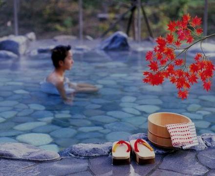 赏红叶泡温泉,这才是打开秋天的最佳方式!