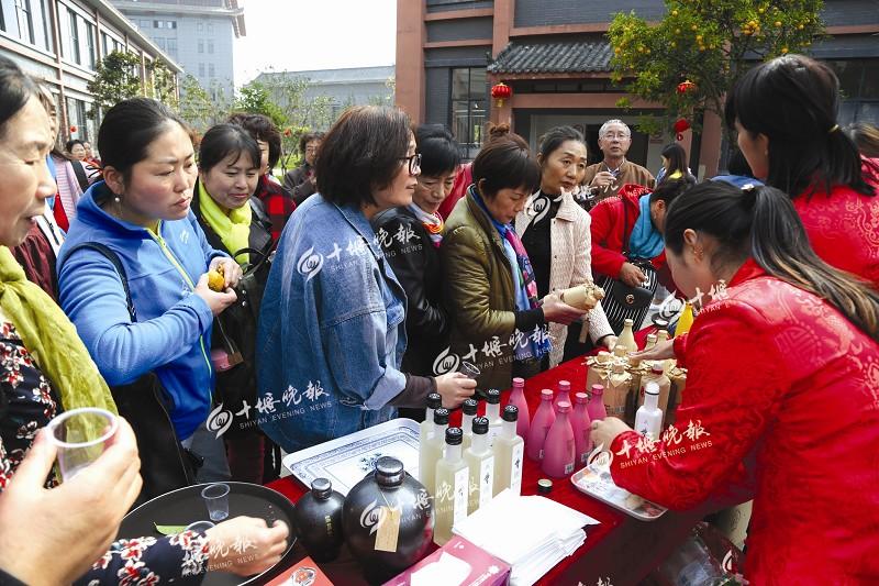 【资讯】十堰第二届温泉节人气爆棚 带动黄酒销售