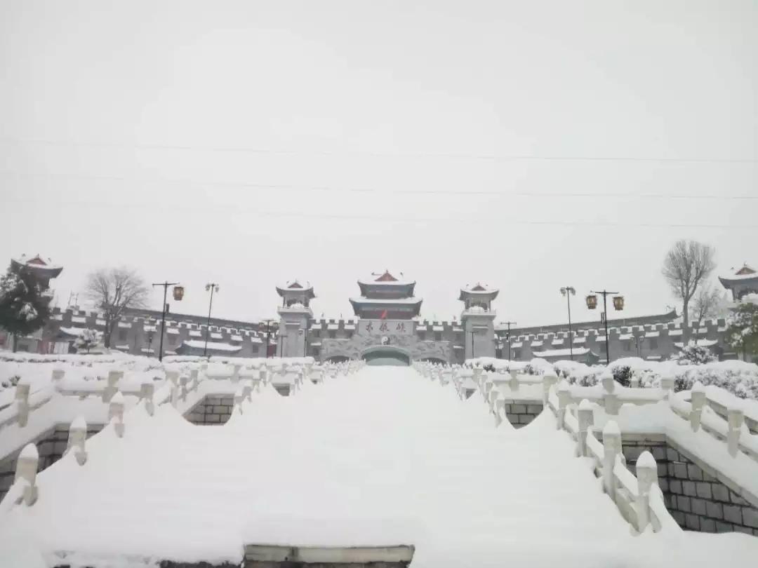 【资讯】好一片迷人雪景!太极峡圣洁而宁静