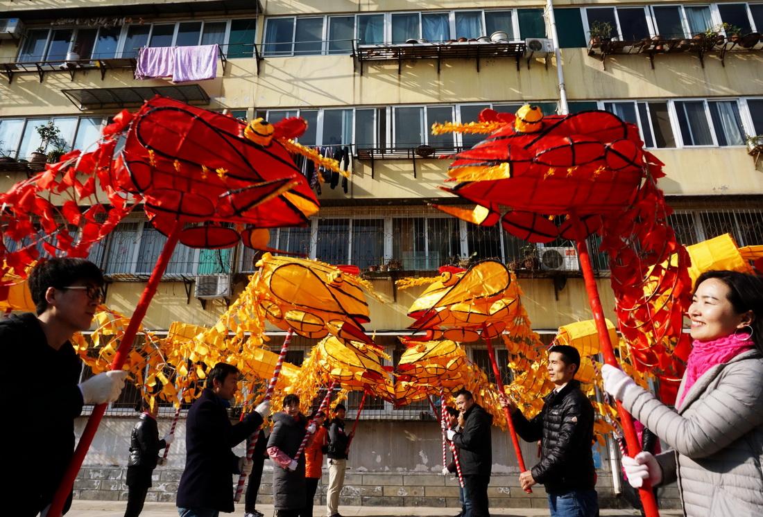 【资讯】彩排非遗虾灯拜新年  为春节巡演做准备