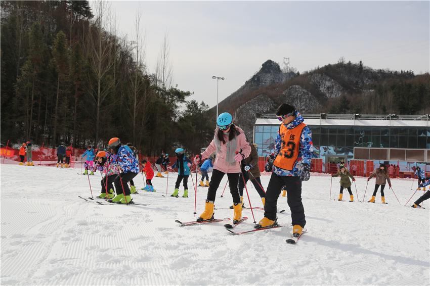 【资讯】森林旅游淡季突围  十堰等多地都已建成滑雪场
