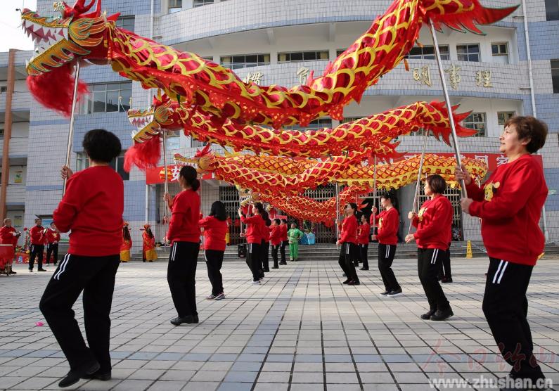 【资讯】竹山城关镇春节期间文艺活动精彩纷呈