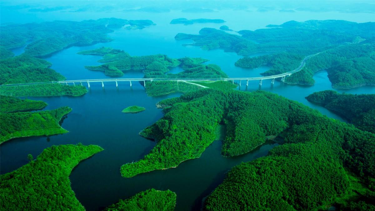 全域四季游全景展现水都魅力