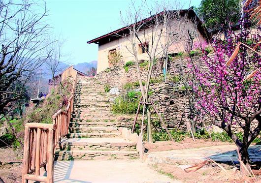 【资讯】内外兼修  丹江口黄龙村勾勒美丽乡村新画卷