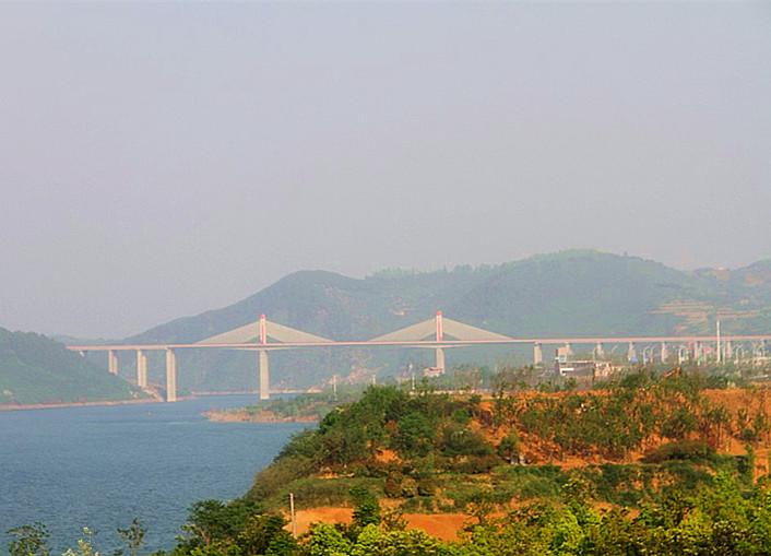 春天的汉江解放军青年林公园