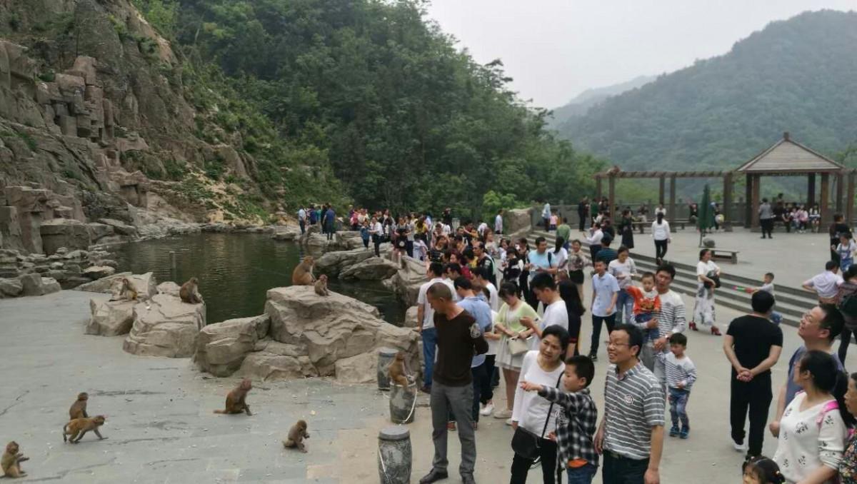 """【资讯】""""旅游+""""搅热小长假  三天2869万人次游湖北"""