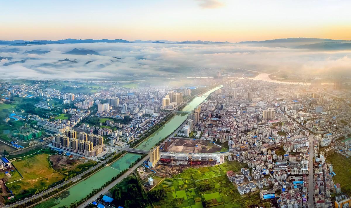 【资讯】集多功能于一体  房县科学打造生态景观河道