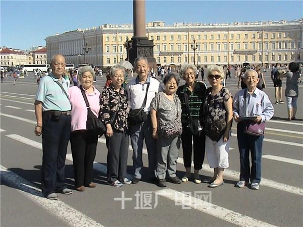 【资讯】满亿国际八旬夫妇退休后携手环游世界  已游历18国