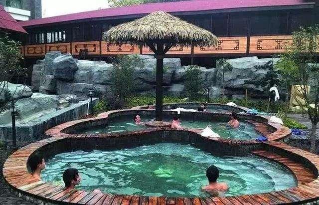 武当国际滑雪、天悦温泉、黄酒文化民俗村二日游