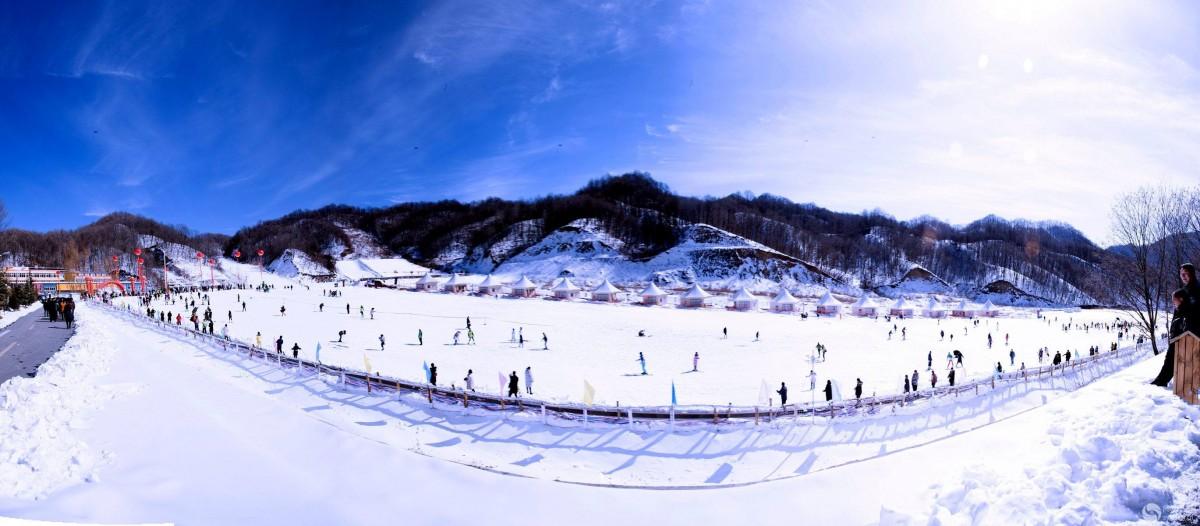 老界岭滑雪、伏牛山居温泉二日游
