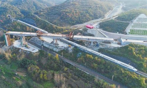 汉十高铁明年12月通车运行