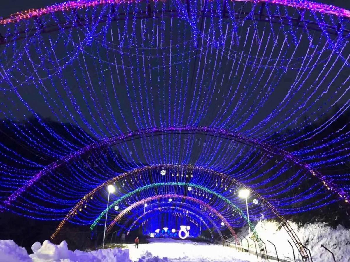 神农架龙降坪国际滑雪场白+黑二日游