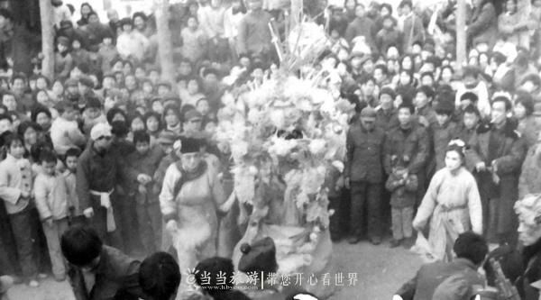 【资讯】玩旱船,看春晚,从过年方式变化看时代发展