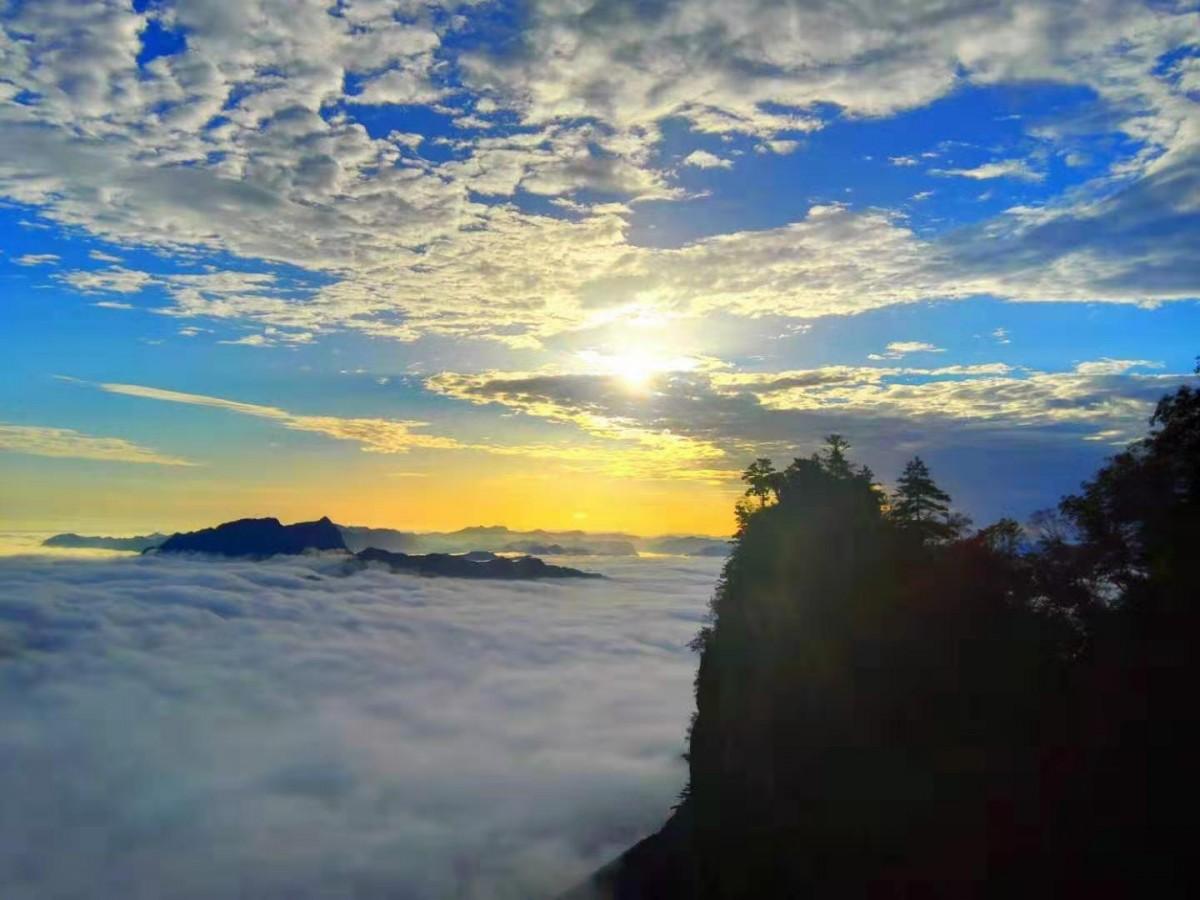 观奇峰、看奇观,天竺山的美让人流连忘返!