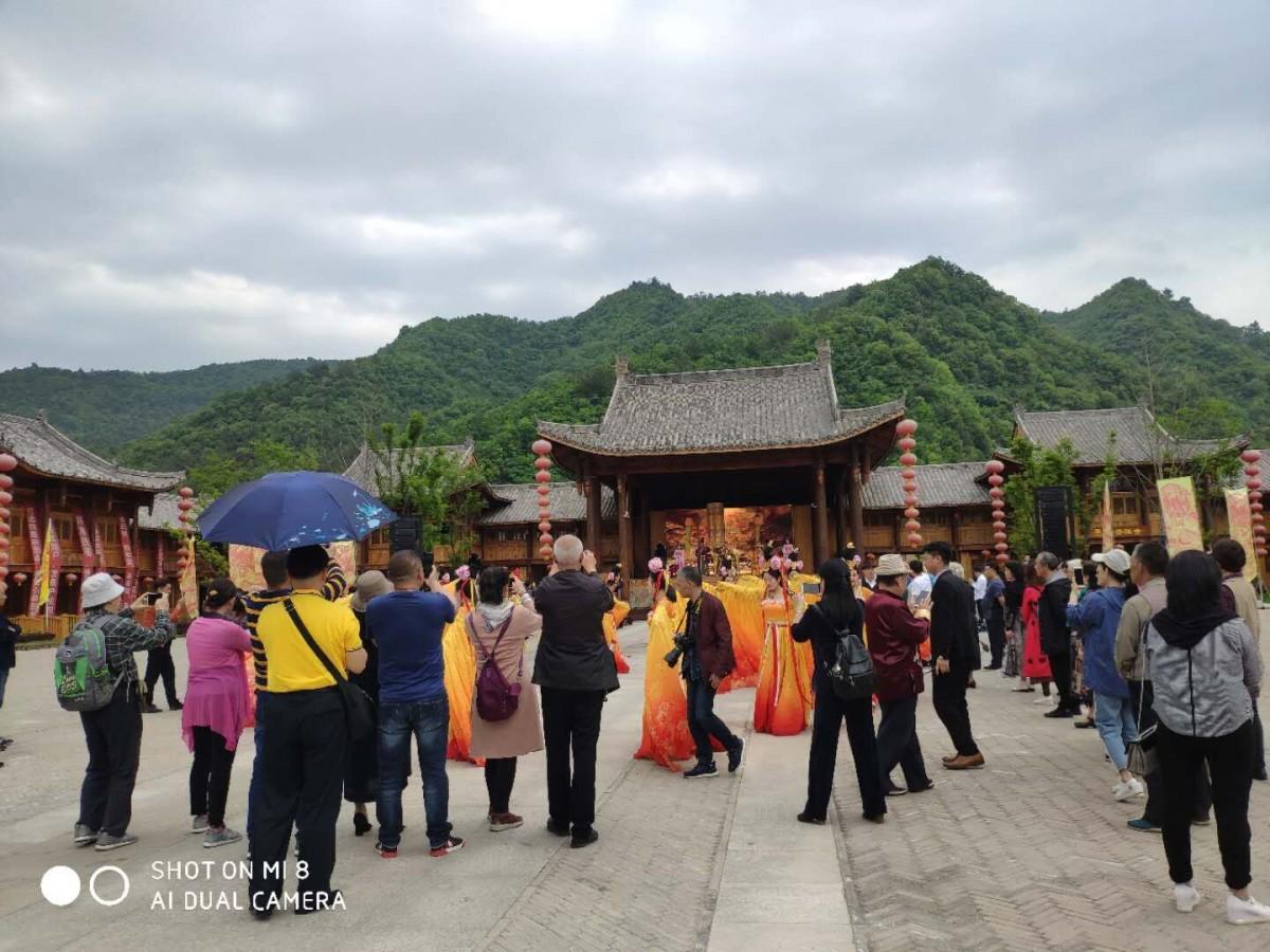 【资讯】房县:旅游市场升温显著