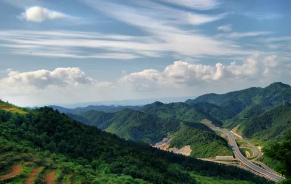 【资讯】四方山景区公路改造工程完工,车辆正常通行