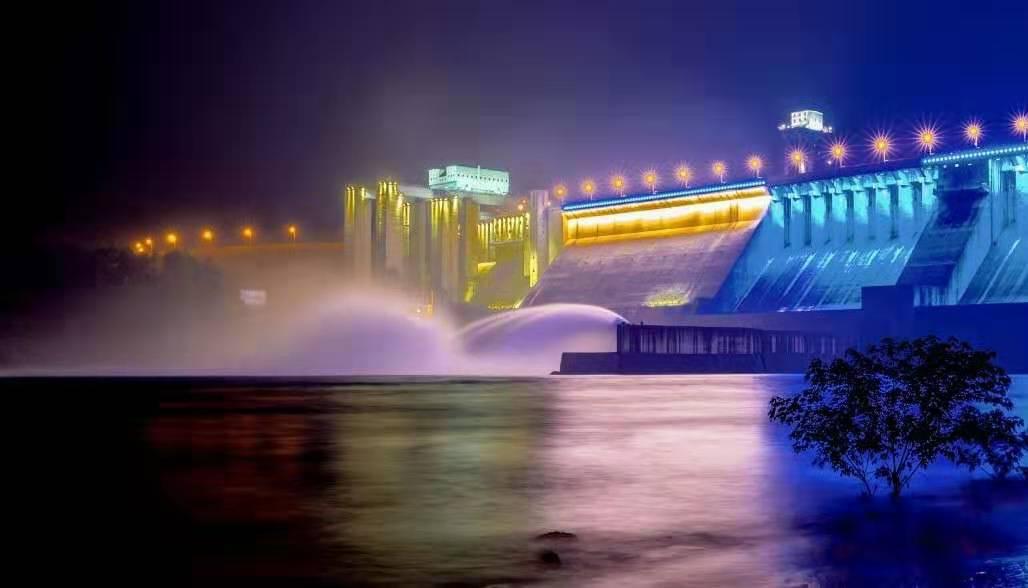 【资讯】丹江口大坝关闭所有泄洪闸门