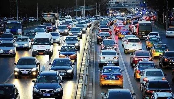 【资讯】十堰交警发布提示:别一不小心被堵路上
