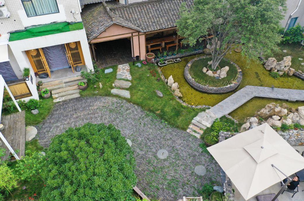 【资讯】隐于百二河水库的民宿,实在太美!