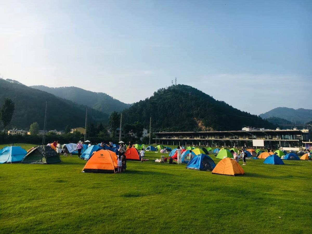 【资讯】原来最好玩的夜晚藏在这里,快来黄龙壹号生态园露营吧!