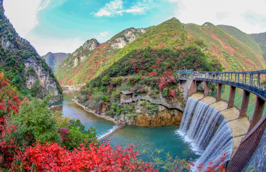 五龙河景区红叶节开幕 来这里赏满山红叶