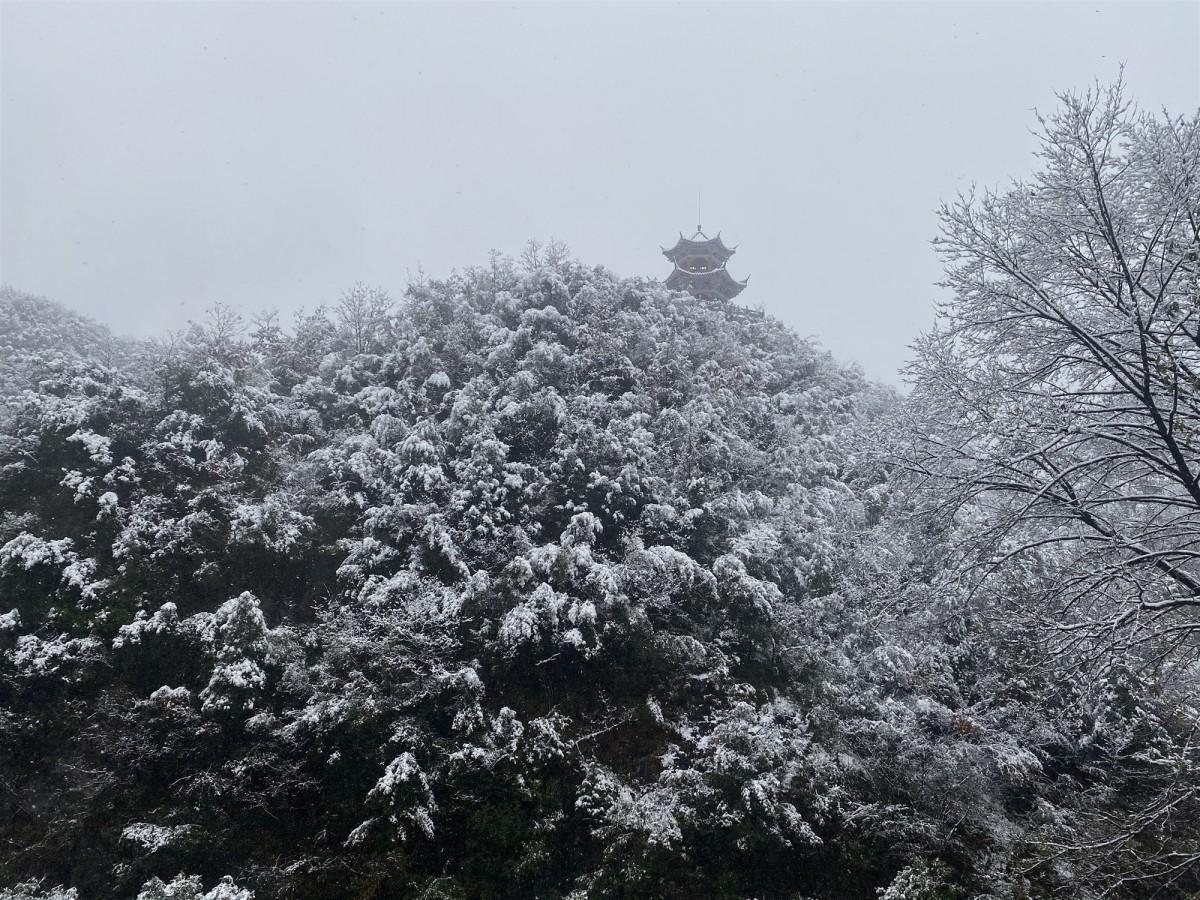 郧阳迎来初雪,景区银装素裹